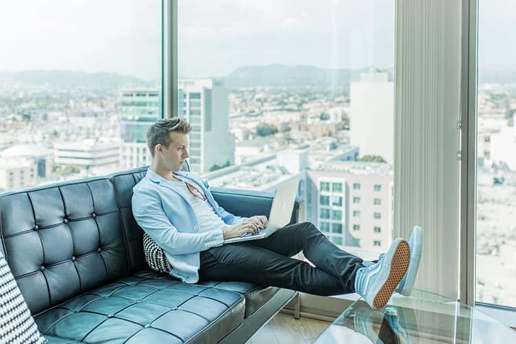 entrepreneur blogging laptop